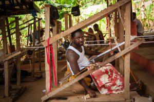 Kente Webstoffe Ghana